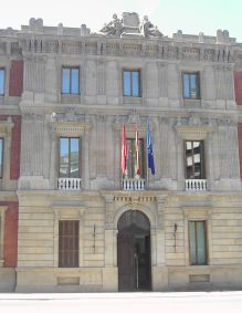 Autonome Region Navarra, Parlamentsgebäude in Pamplona
